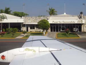 Puerto Escondido Airport on way to Chacahua